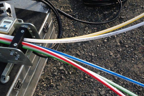 Glasfaser-Netz-Kaernten-Microrohre-beim-Einblasen